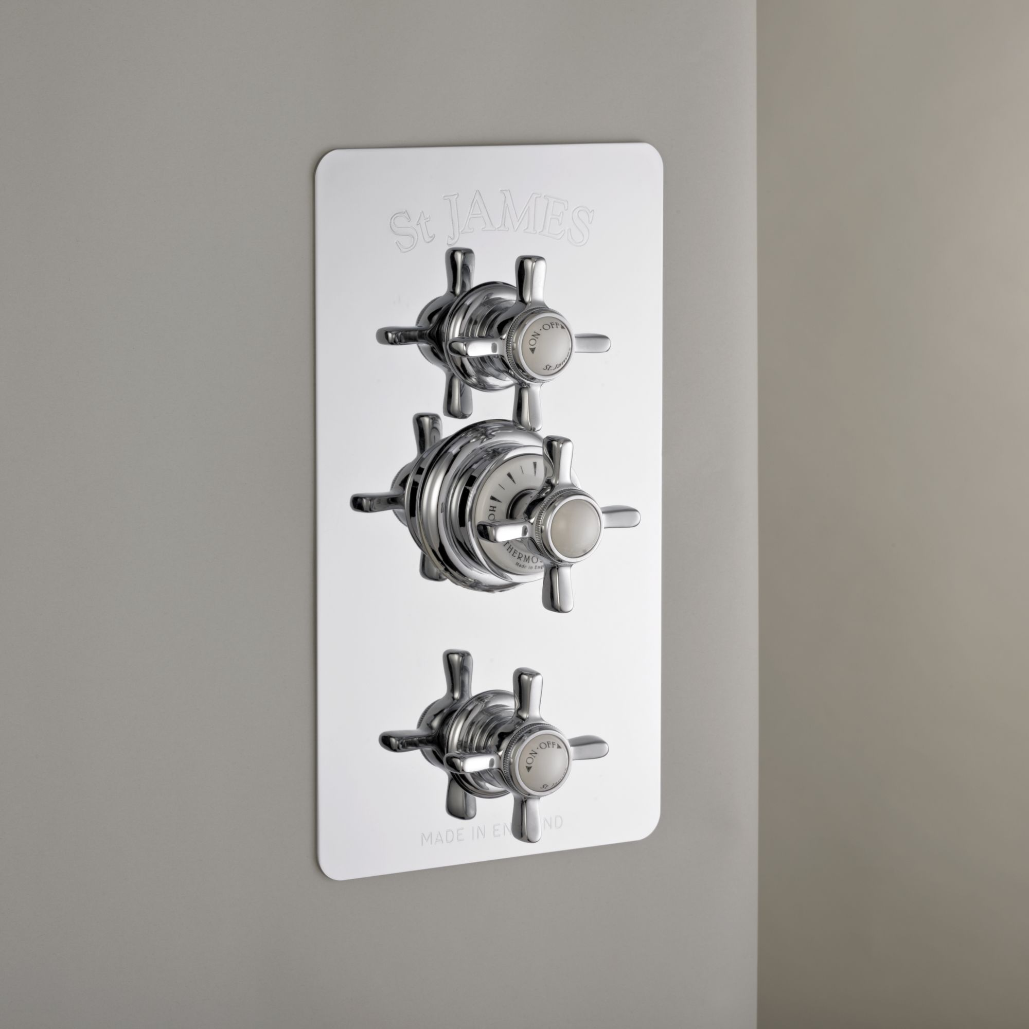 thermostat duscharmatur mit abdeckplatte traditional bathrooms. Black Bedroom Furniture Sets. Home Design Ideas