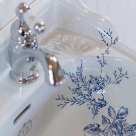 Handwaschbecken der Serie Somerset Garden mit floralem Muster