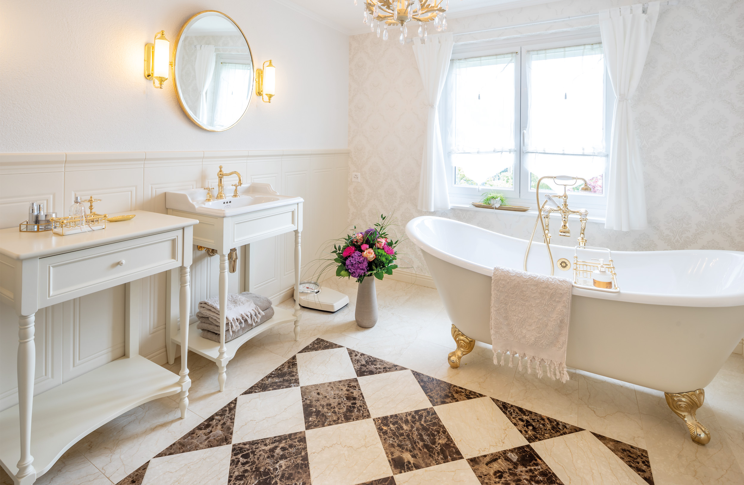 Vintage Badezimmer by Traditional Bathrooms   Made in England