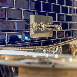 Vernickelte Kupferbadewanne mit Armatur