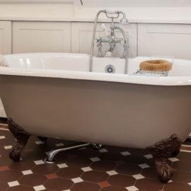 Freistehende Gusseisen Badewanne im Nostalgiestil