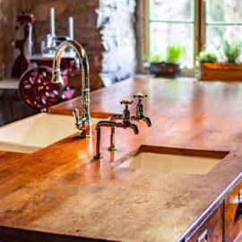 Mayan Bibcock Crosshead sind traumhaft schöne Vintage Küchenarmaturen von Traditional Bathrooms, welche Sie in 4 unterschiedlichen Oberflächenveredelungen erhalten.
