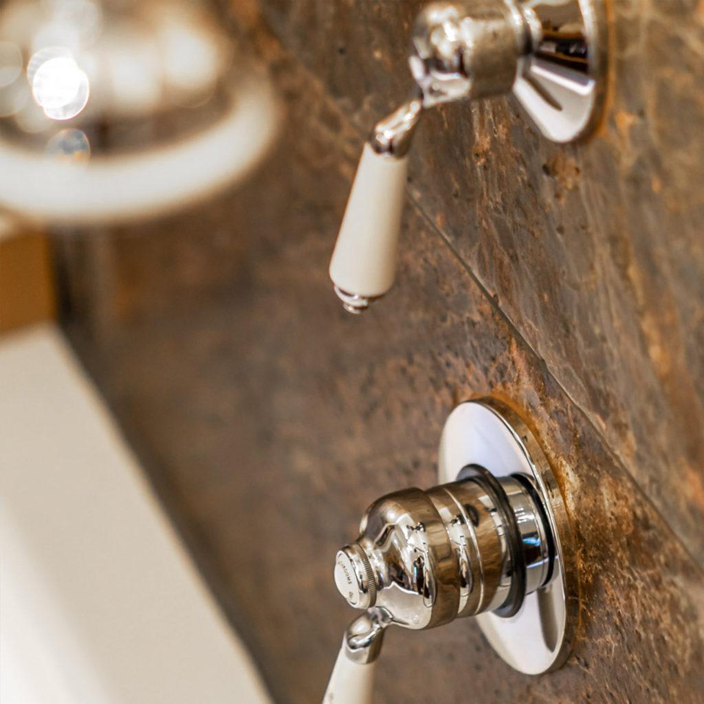 Duscharmatur ohne Thermostat im klassischen Stil. Echte Manufakturqualität - Made in England. Nostalgie, Vintage, Retro