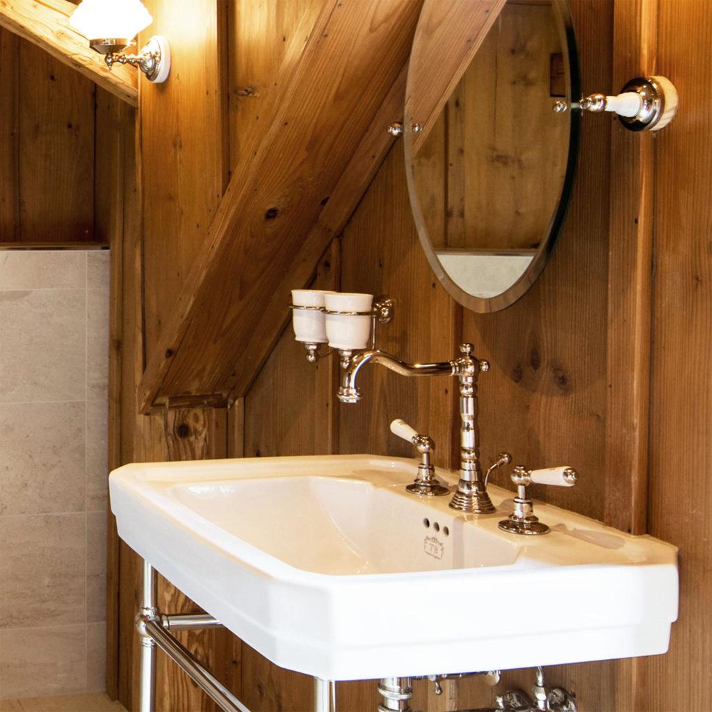 Badezimmer im Landhausstil Waschtisch