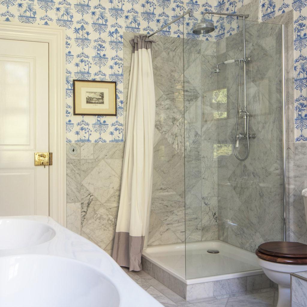 Elegantes Nostalgie Badezimmer Dusche