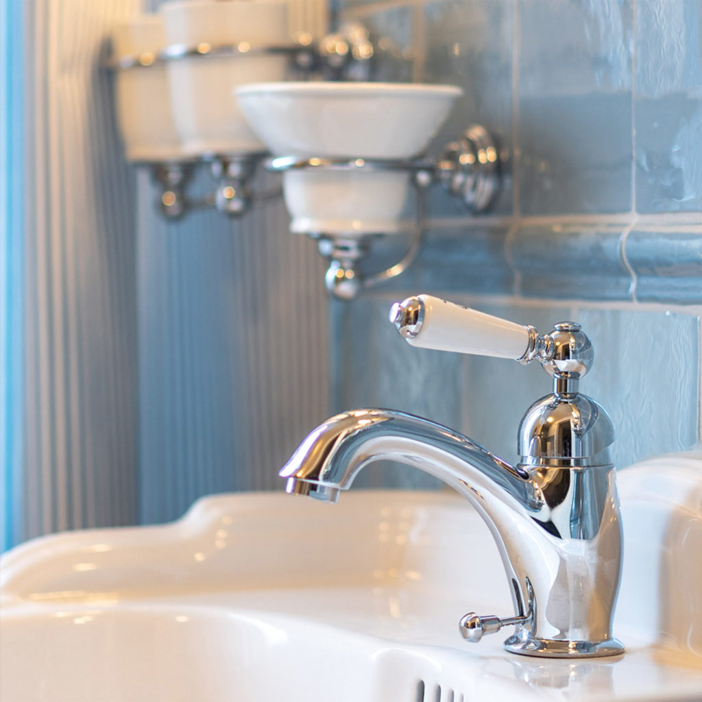 Nostalgie Badezimmer Waschtisch Einhebelmischer
