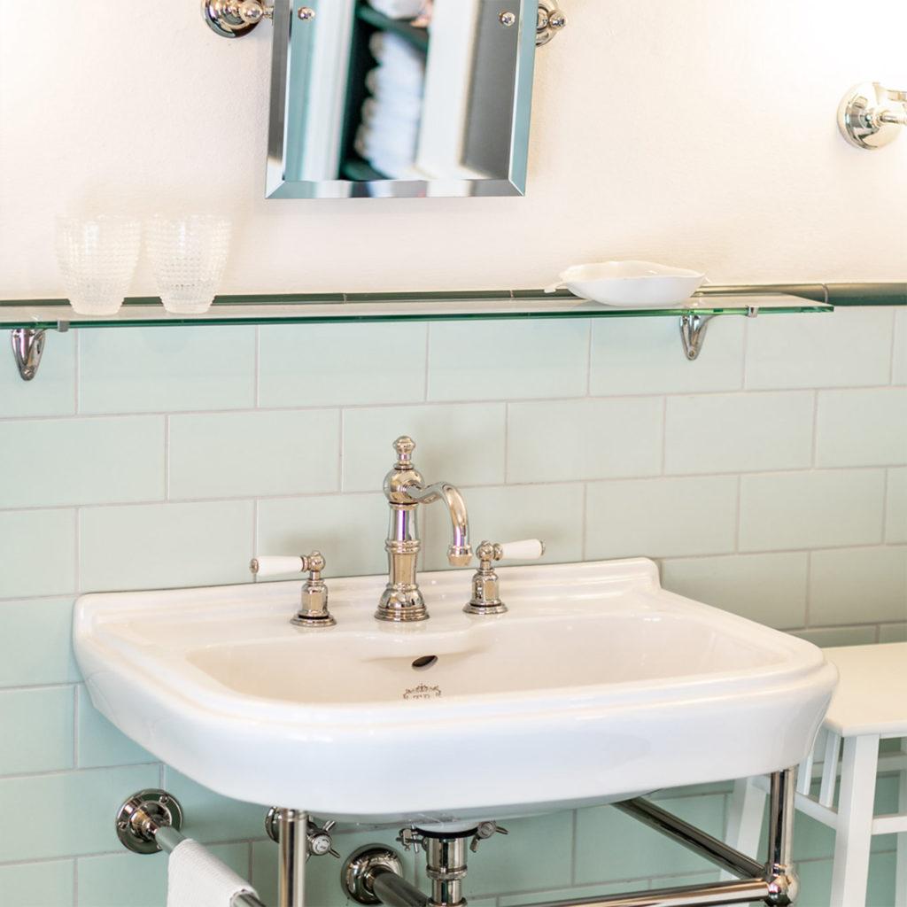 Klassisches Waschbecken
