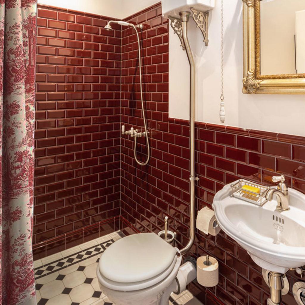Bad im Retro Stil Vintage Duschvorhangstangen